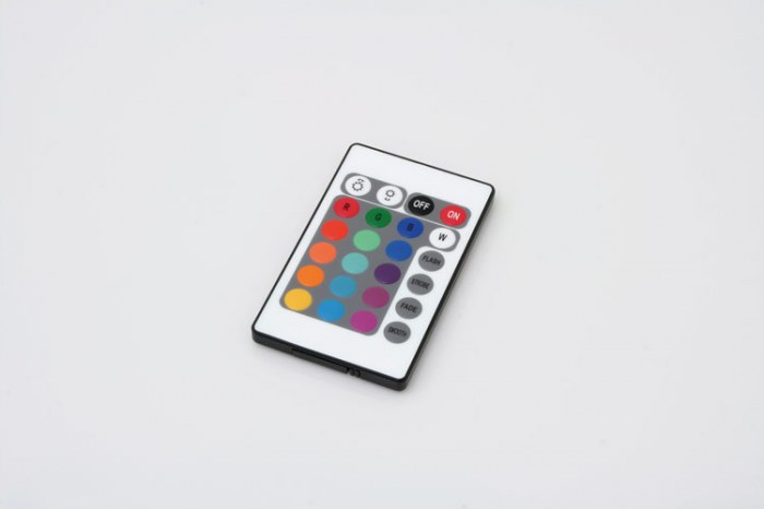 Bagno tekno illuminazione d 39 interni soluzioni di for Prisma arredo negozi